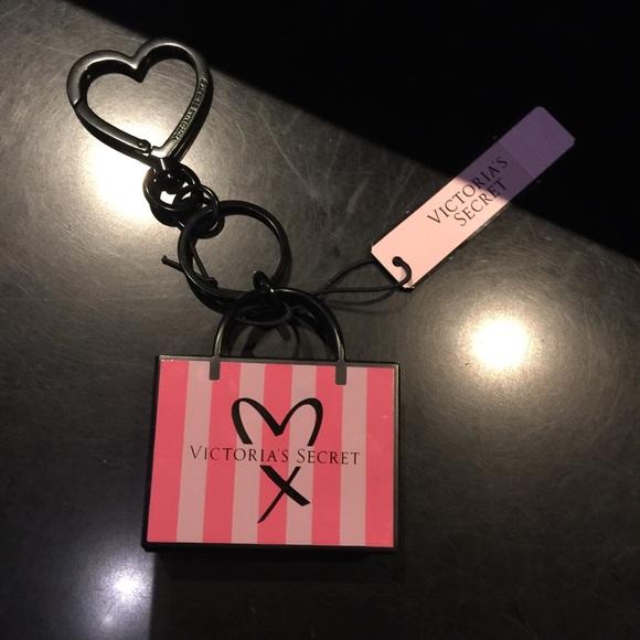 Victoria Secret Snowflake Keychain\Bag Charm Silver With Heart NWT